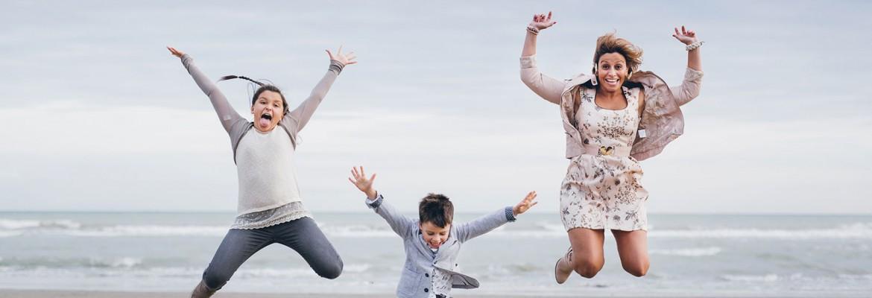 Ritratto fotografico di famiglia al mare – spiaggia Brussa Caorle